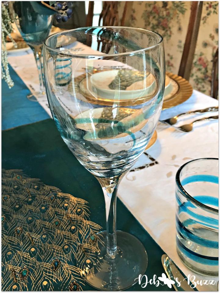 peacock-tablescape-wine
