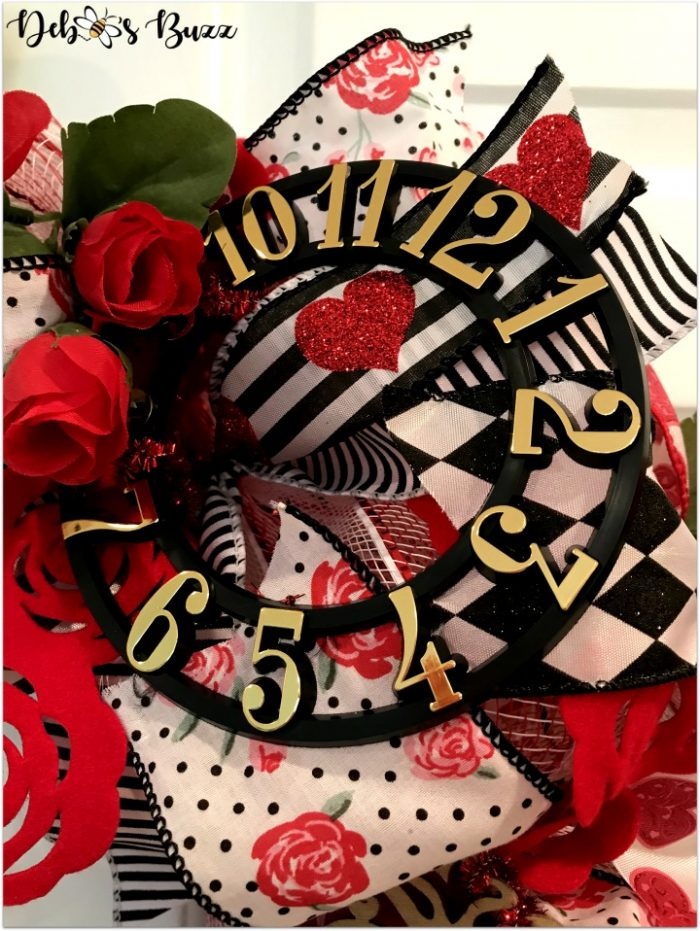 alice-in-wonderland-theme-wreath-tea-roses-clockface-vertical