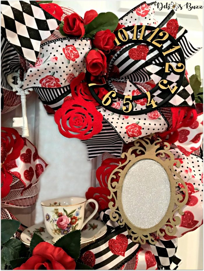 alice-in-wonderland-theme-wreath-tea-roses-side-view-white-door