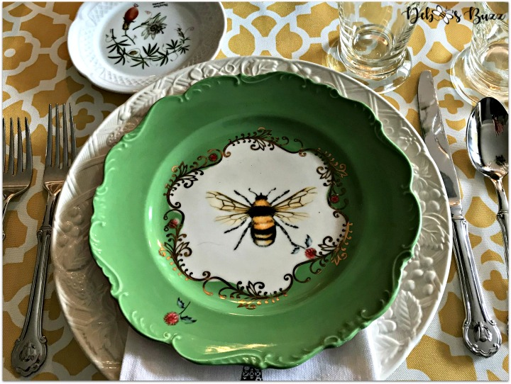 A HapBEE Birthday Table and Beehive Dessert