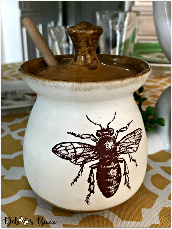 hapbee-birthday-table-bee-tablescape-honey-pot
