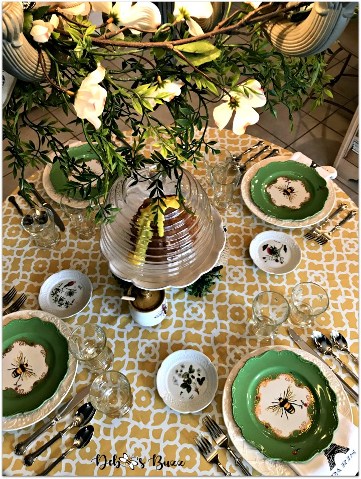 hapbee-birthday-table-bee-tablescape-overhead-chandelier