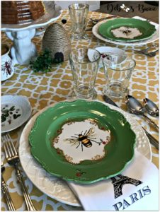 hapbee-birthday-table-bee-tablescape-paris-napkin