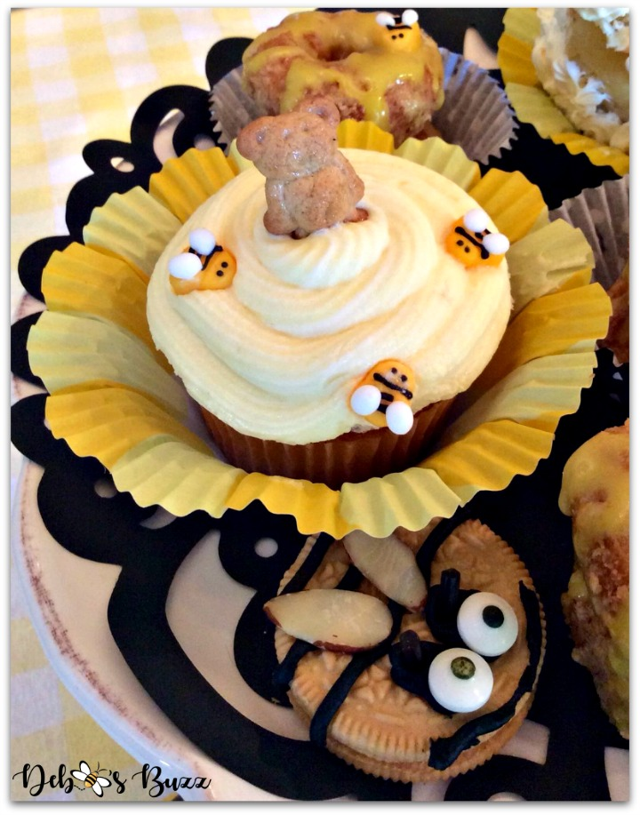 bee-theme-party-food-honey-cupcake