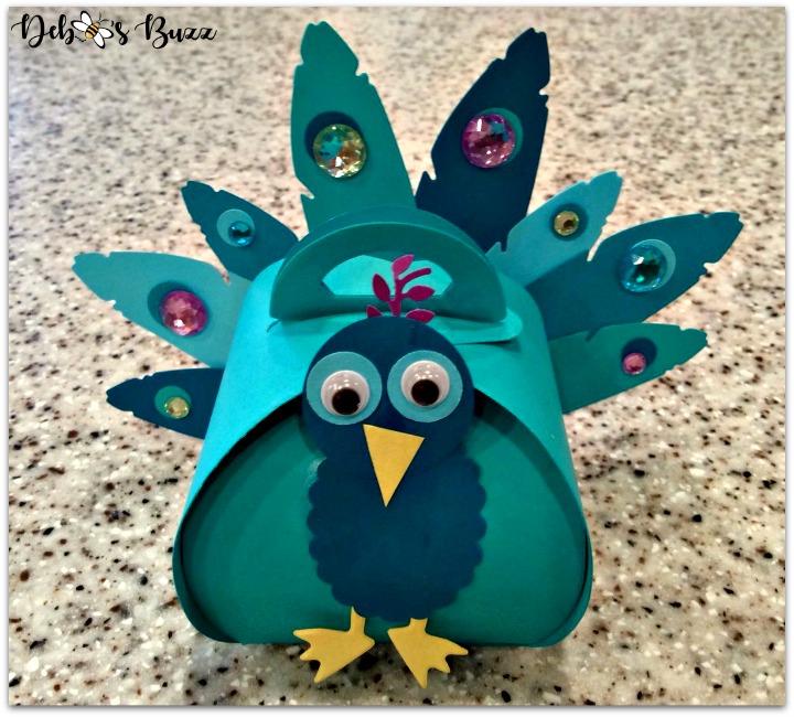 peacock-favors-gifts-peacock-box-closeup