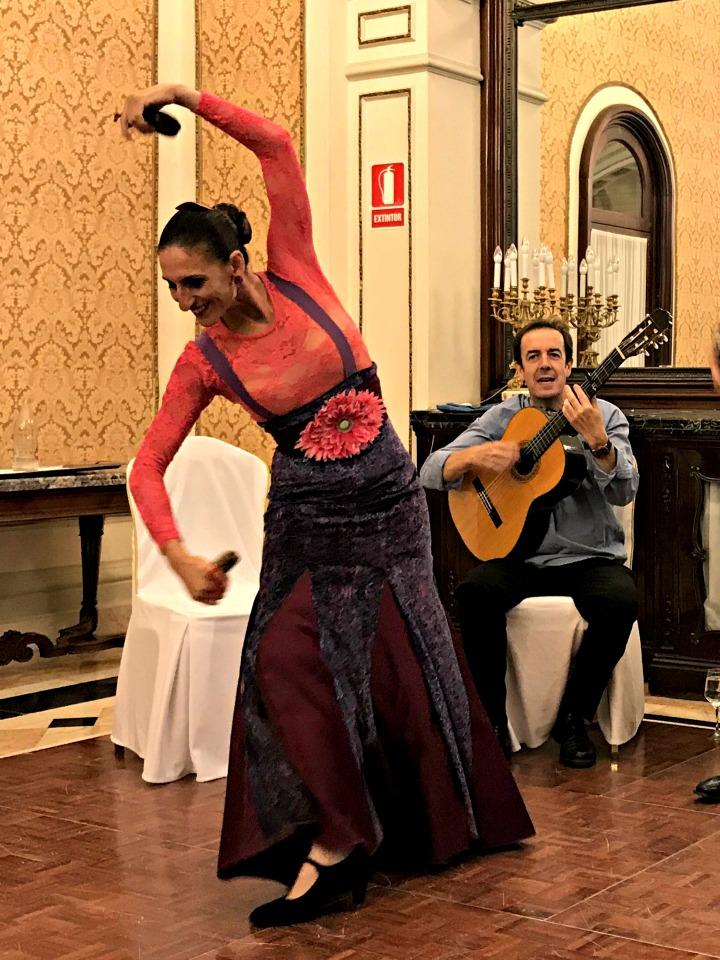 seductive-seville-flamenco-bow