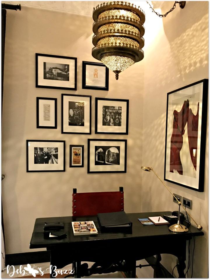 seductive-seville-hotel-alfonso-desk