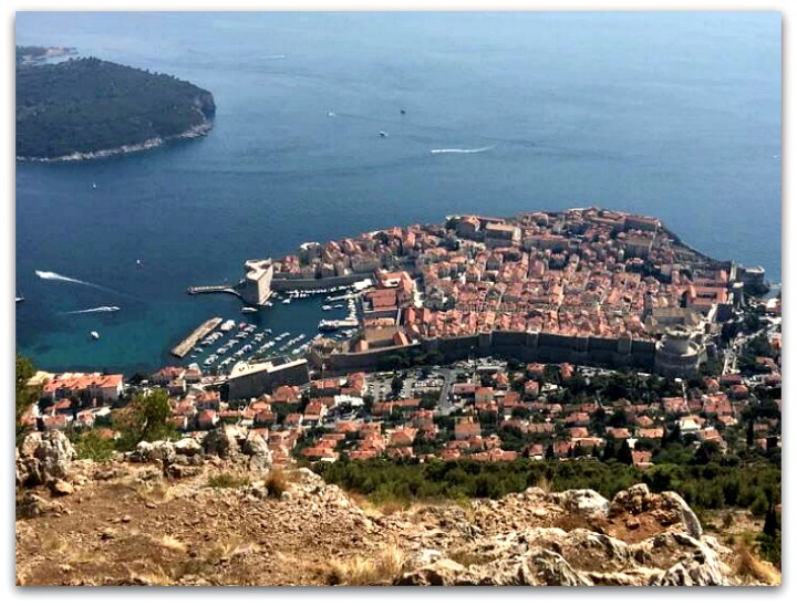 smooth-sailing-wreath-dalmatian-coast-harbor-overview
