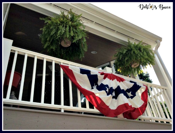 Independence-Day-decorations-porch-railing