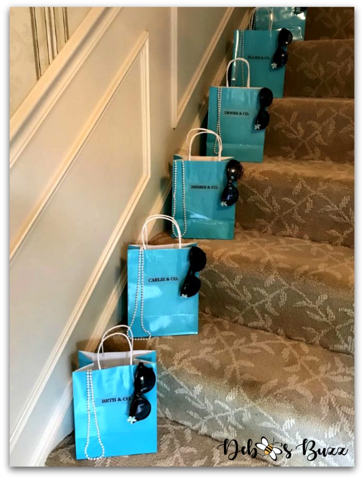 Tiffany-theme-party-favors-bags-stairs