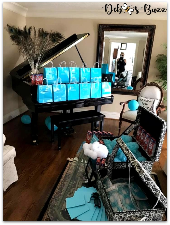 Tiffany-theme-party-favors-living-room
