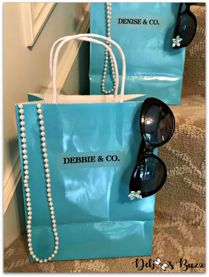 Tiffanys-theme-party-favors-bag-my-favorite-things-party