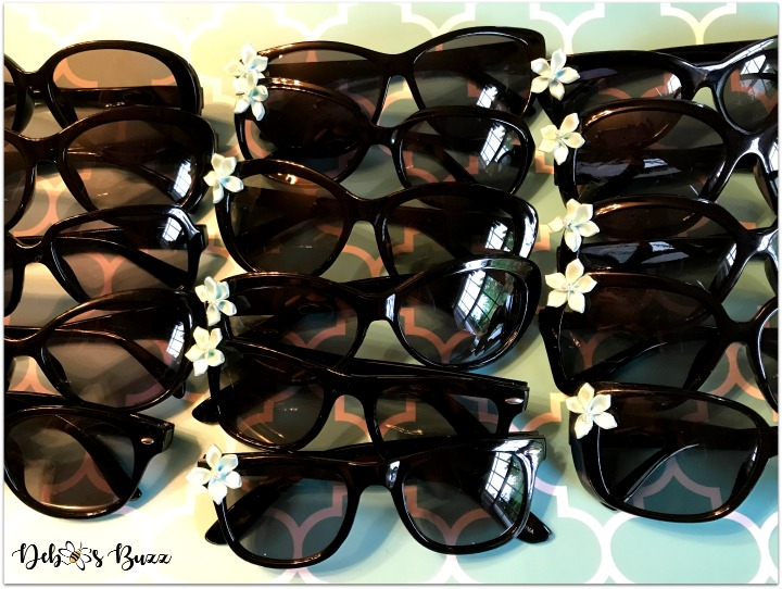 Tiffanys-theme-party-favors-sunglass-tray