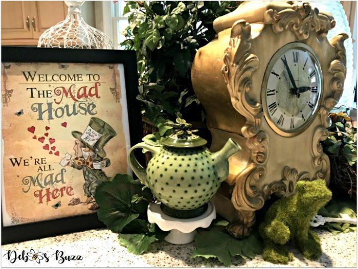 alice-wonderland-unbirthday-party-mad-house-clock