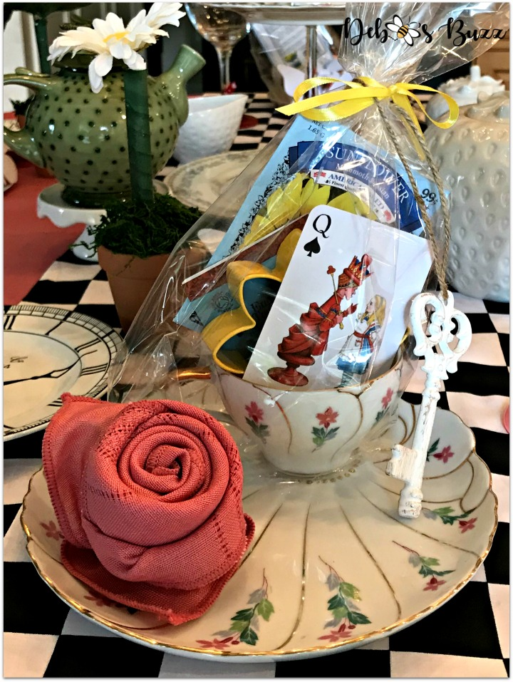 alice-wonderland-unbirthday-party-teacup-favor-pink-rose