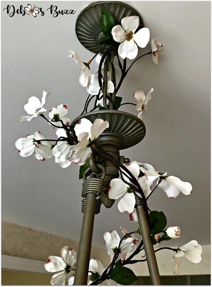 bee-decorated-chandelier-dogwood-garland