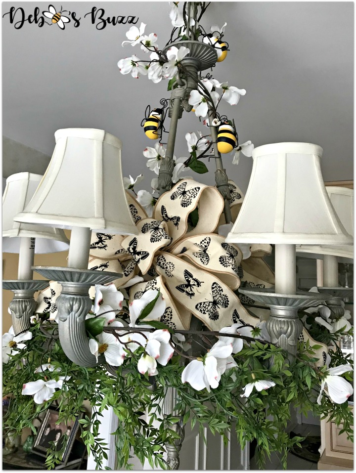 bee-decorated-chandelier-full-view