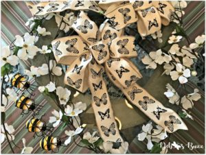 bee-decorated-chandelier-materials