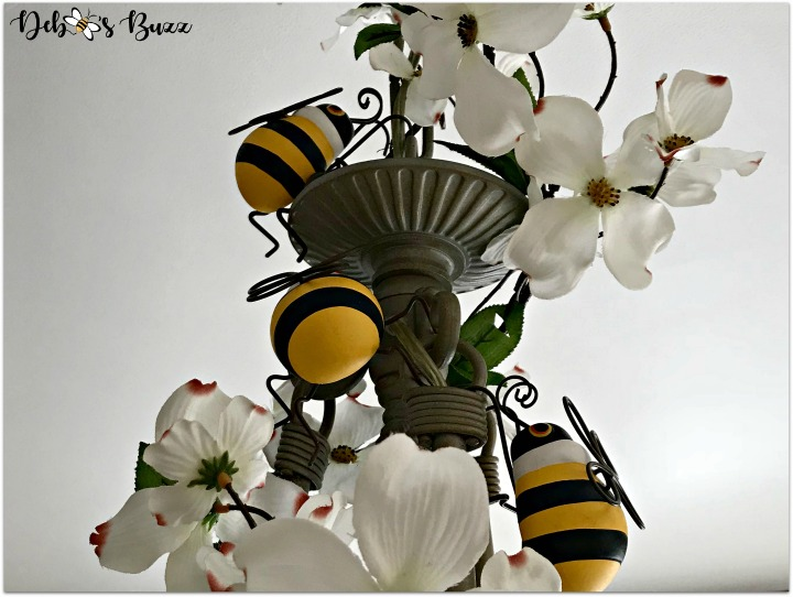 bee-decorated chandelier-feature-image