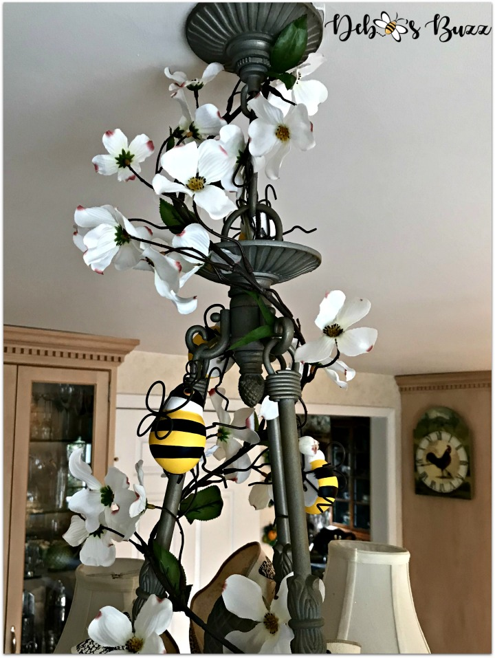 bee-tablescape-chandelier-dogwood