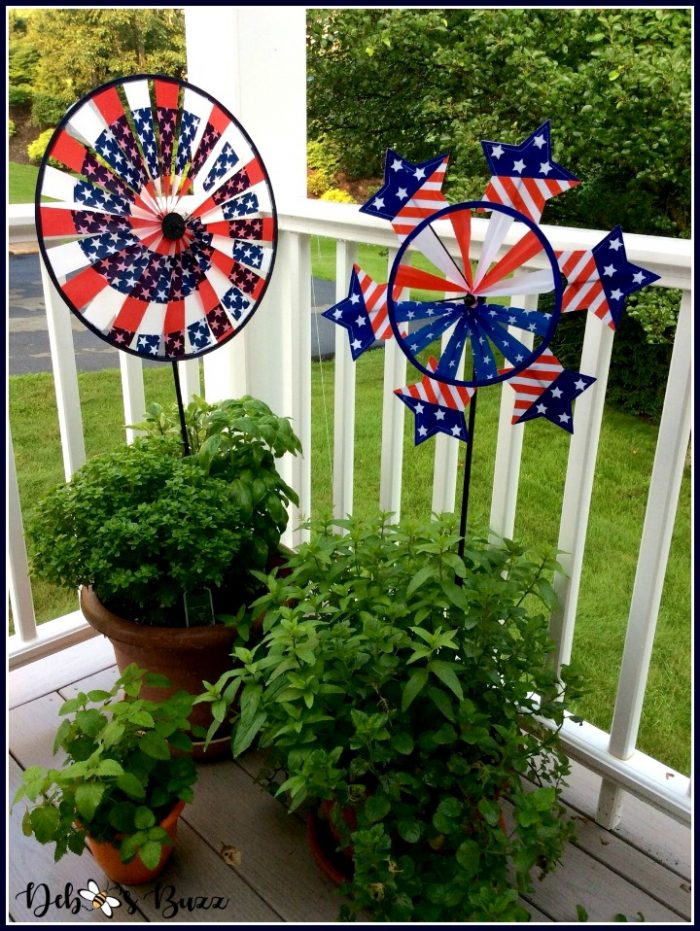 independence-day-decorations-spinners