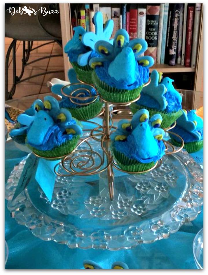 peacock-theme-menu-peacock-cupcakes