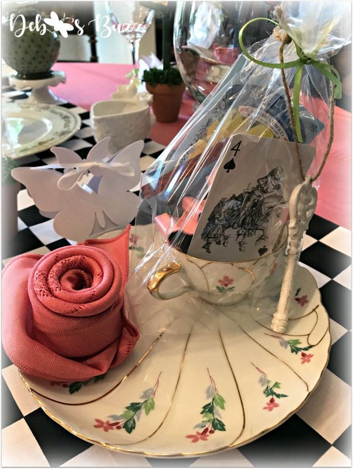 Alice-in-wonderland-place-setting-butterfly box