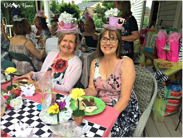 Alice-in-wonderland-table-under-pergula