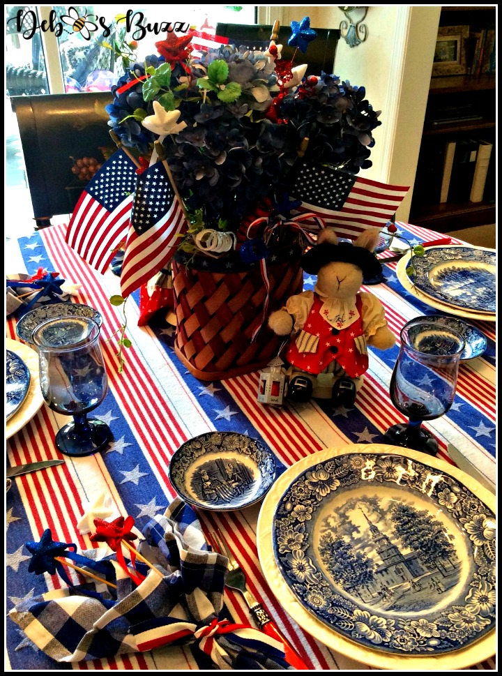 July-4th-patriots-table-liberty-blue-tablescape-paul-revere-centerpiece