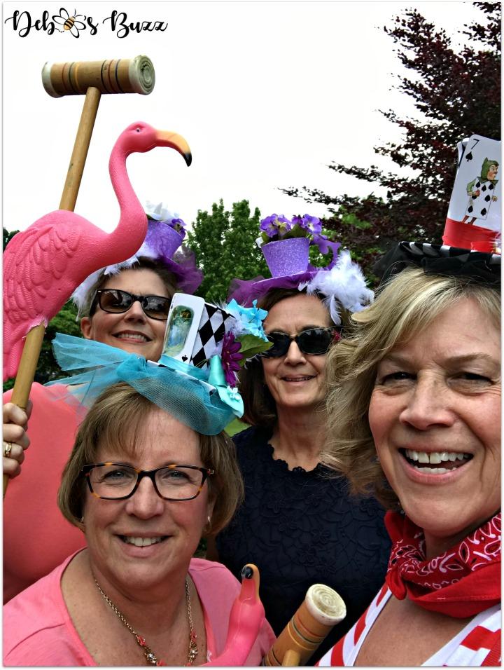 Alice-in-wonderland-flamingo-croquet-team-queen