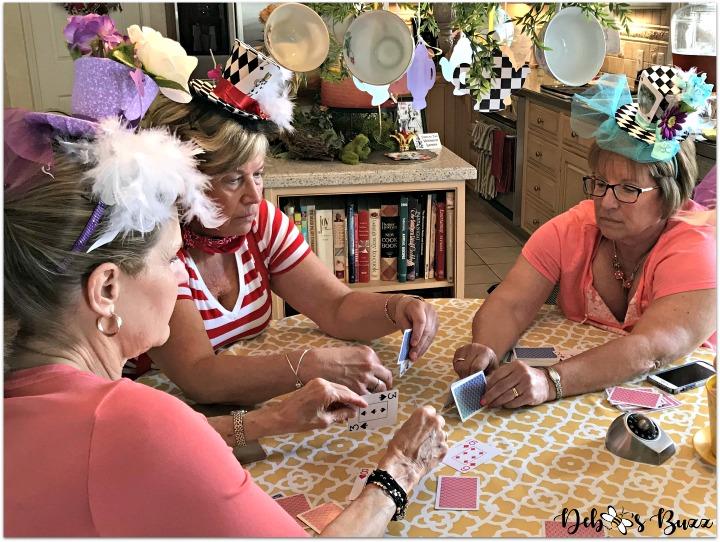 alice-in-wonderland-games-house-of-cards-team-queen