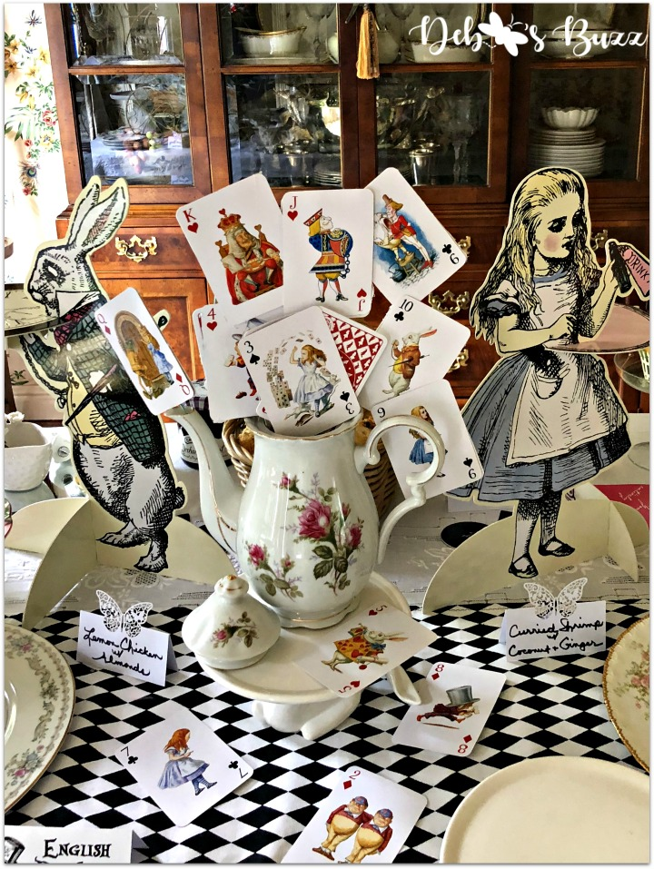 alice-in-wonderland-teapot-centerpiece-buffet
