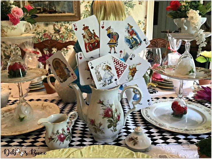 alice-in-wonderland-teapot-centerpiece-feature