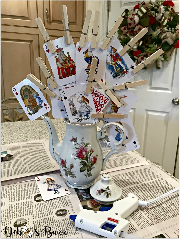 alice-in-wonderland-teapot-centerpiece-framework