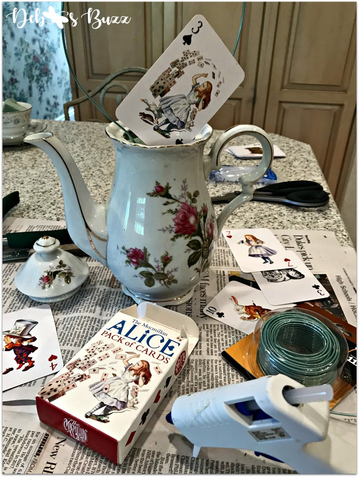alice-in-wonderland-teapot-centerpiece-materials