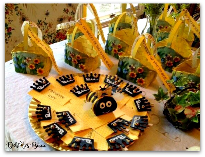 bee-party-gifts-curvy-box