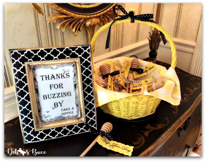 bee-party-gifts-dipper-basket