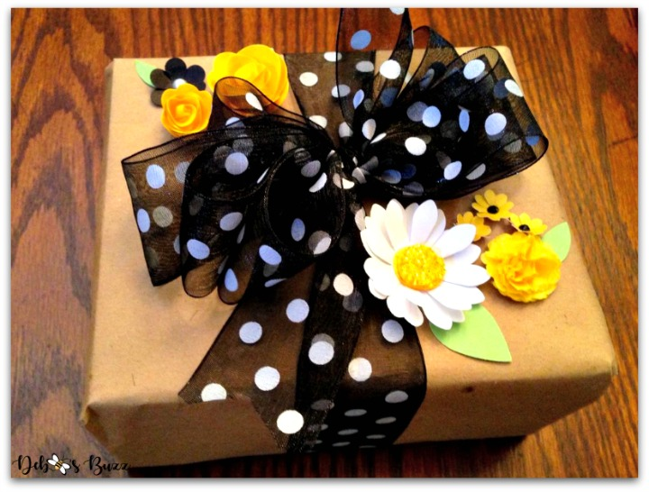 bee-party-gifts-favorite-package