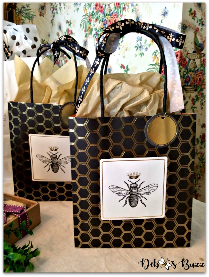 bee-party-gifts-prize-bags