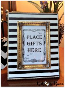 bee-party-gifts-sign