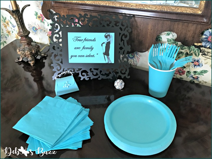 breakfast-at-tiffany's-theme-brunch-friends-sign