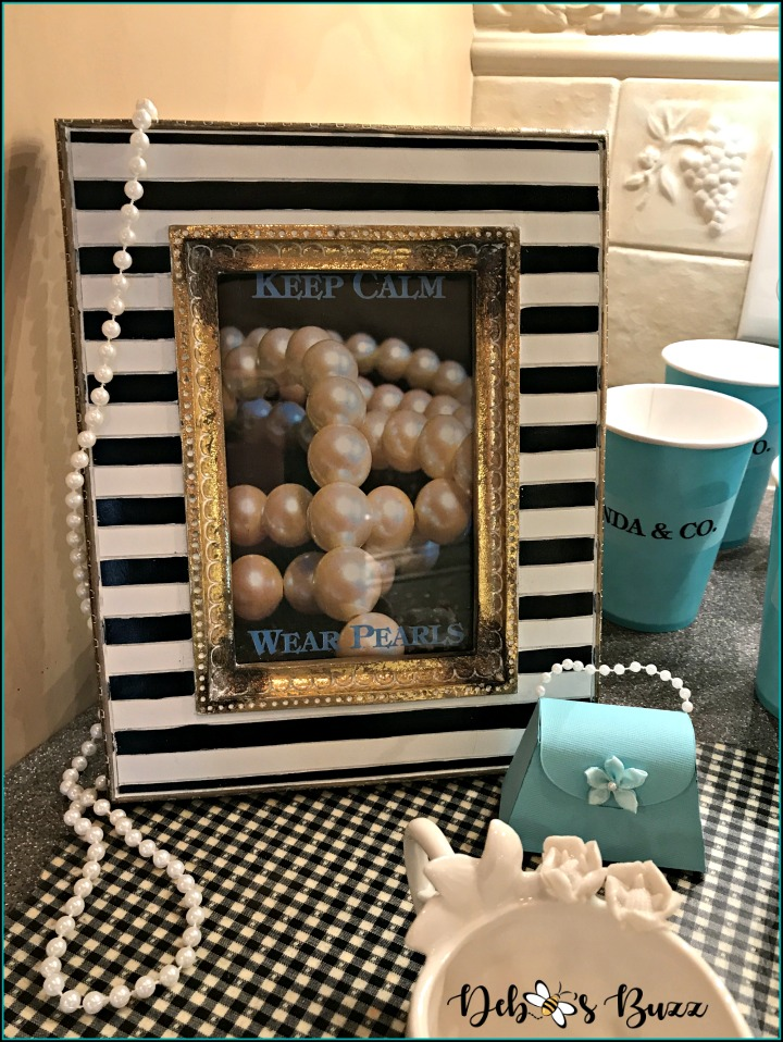 breakfast-at-tiffany's-theme-brunch-pearl-sign