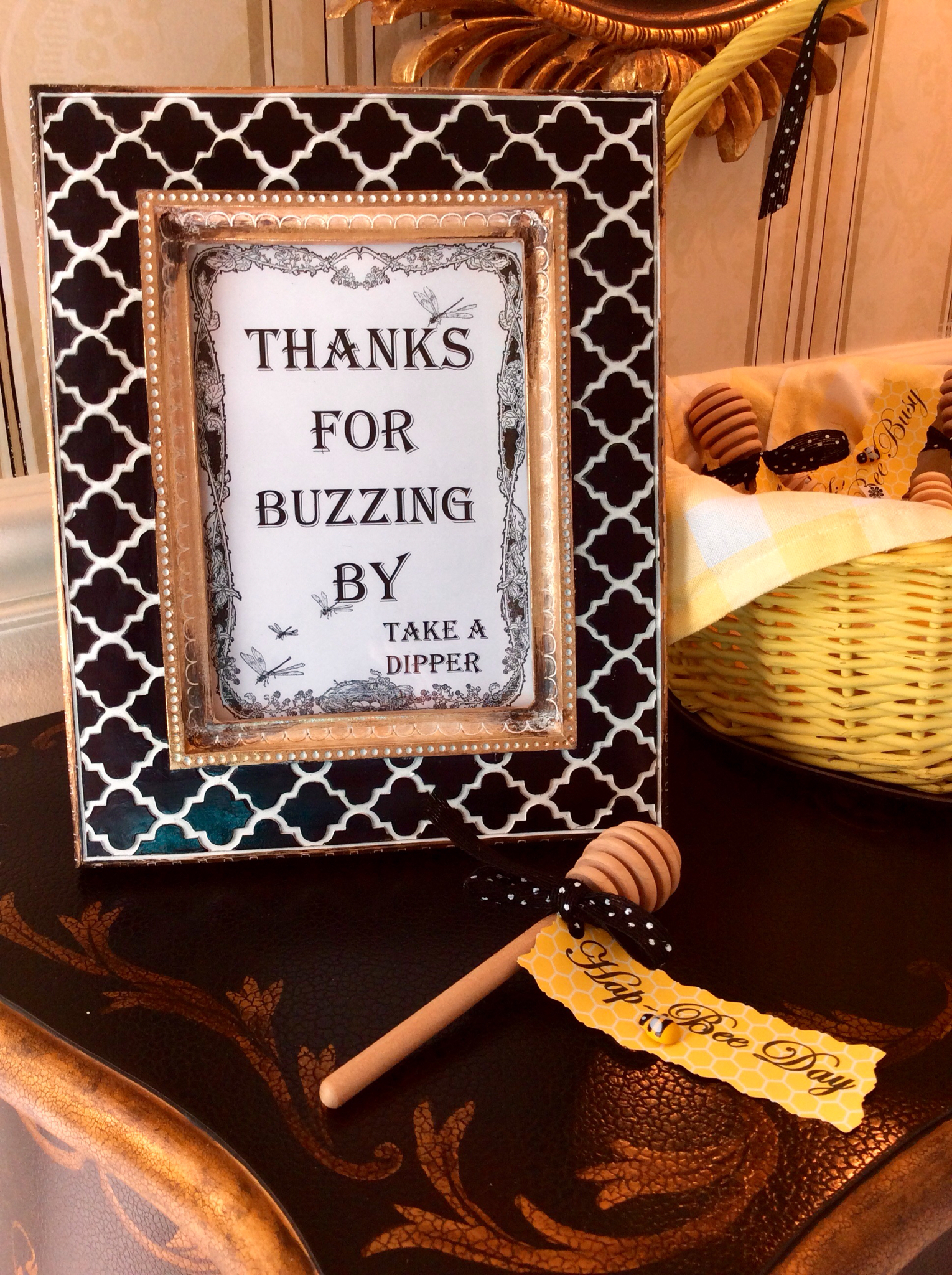 bee-party-gifts-buzzing-by