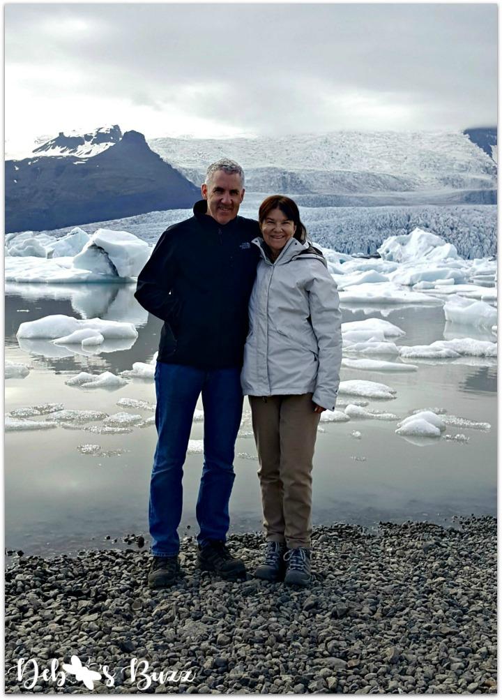 iceland-vacation-day3-skaftafellsjokull-glacial-lagoon-couple