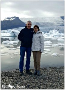 iceland-vacation-day3-skaftafellsjokull-glacial-lagoon-couple