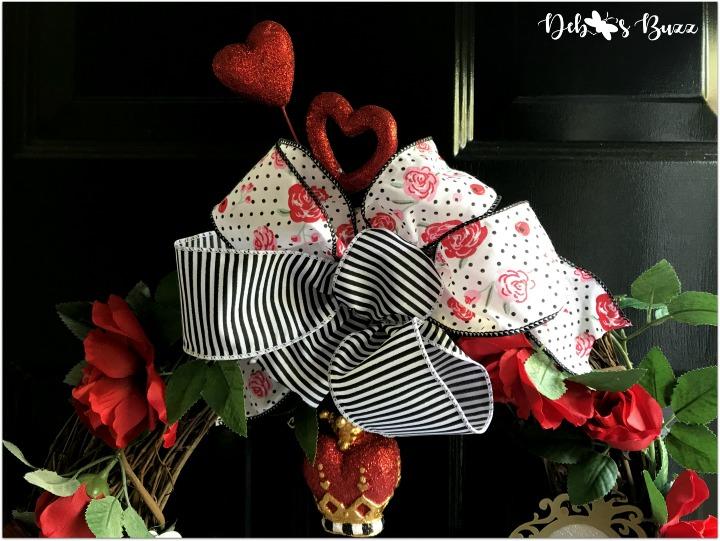 Alice-in-wonderland-grapevine-wreath-black-bow
