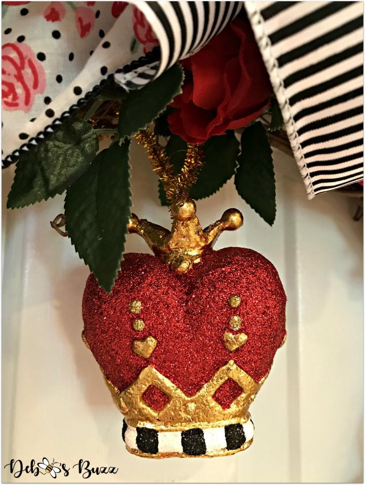 Alice-in-wonderland-grapevine-wreath-white-crown