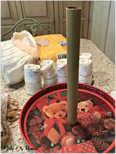 elephant-diaper-cake-center-tube