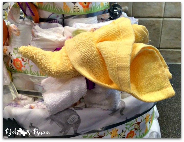 elephant-diaper-cake-yellow-washcloth