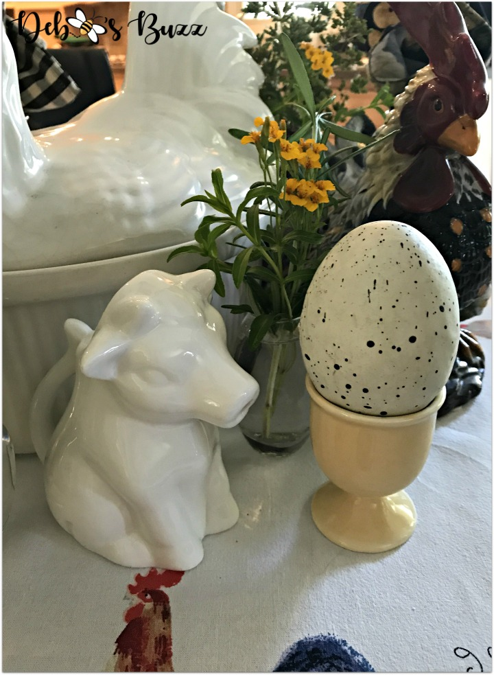 fall-farm-rooster-table-cow-creamer